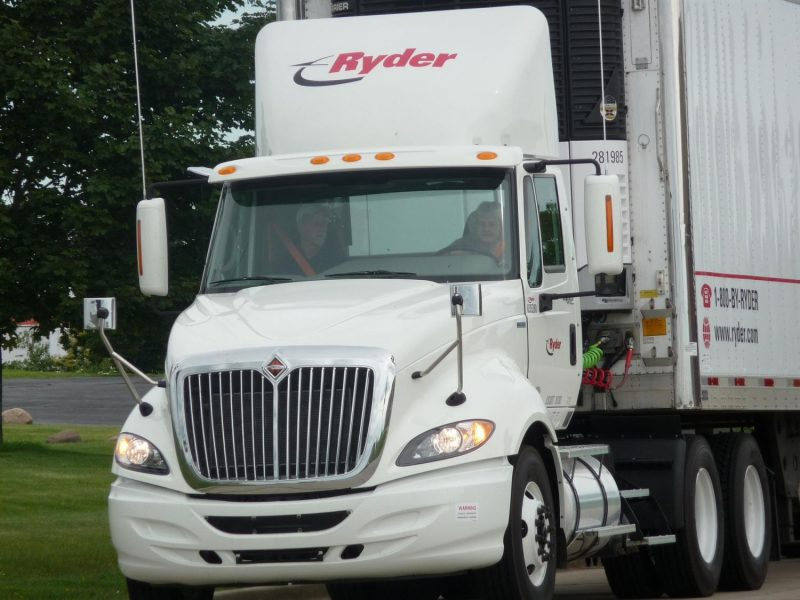 Perris, CA – Motorcyclist Killed In Crash With Big-Rig On 215 Freeway Near Ethanac Rd.